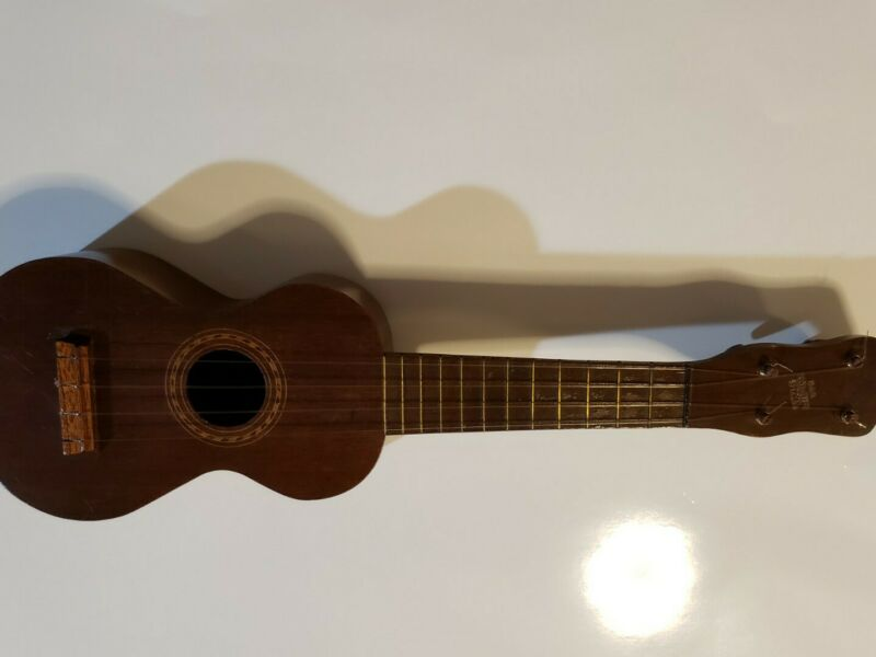 Vintage Dan Nolans Ukulele hand made special ukulele.