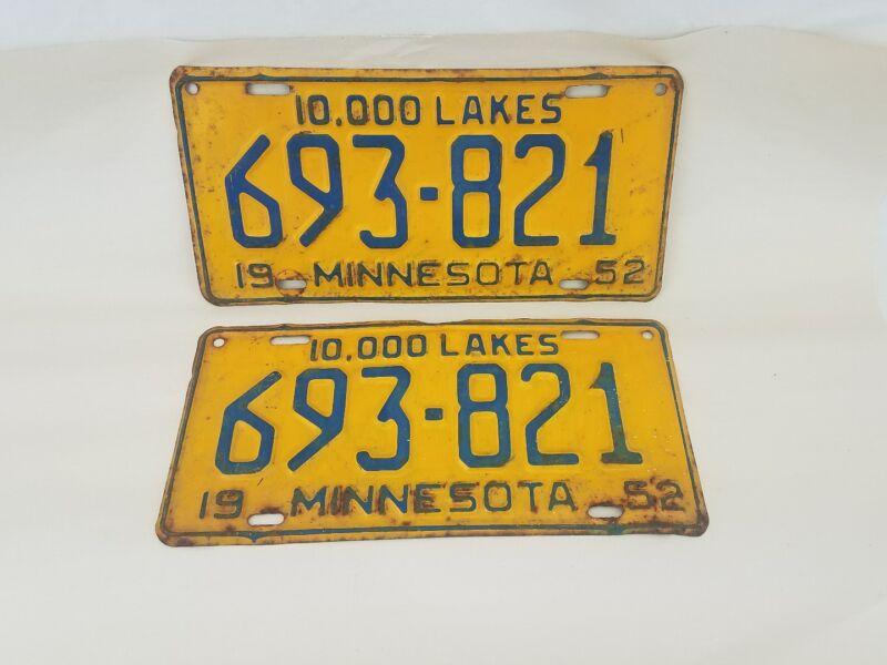 1952 Minnesota Mn passenger car license plate pair Collector Man Cave