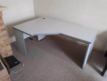 Corner desk!