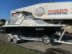 Mustang 2300 Cabin Evinrude Direct Injected 225 Pialba Fraser Coast Preview