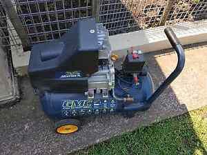 GMC Air Compressor 1600W 30L Mount Lewis Bankstown Area Preview