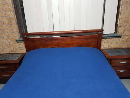 Queen size full bedroom suite