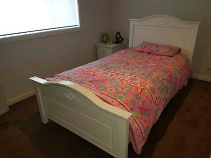 White King single Size Bed