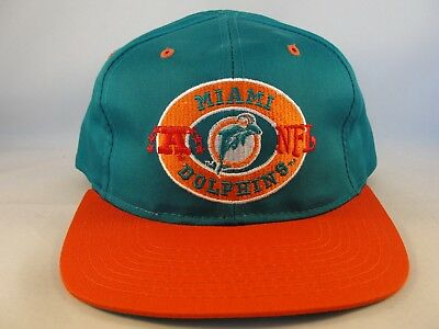 - Miami Dolphins NFL Vintage Snapback Cap Hat Defect Missing Top Button