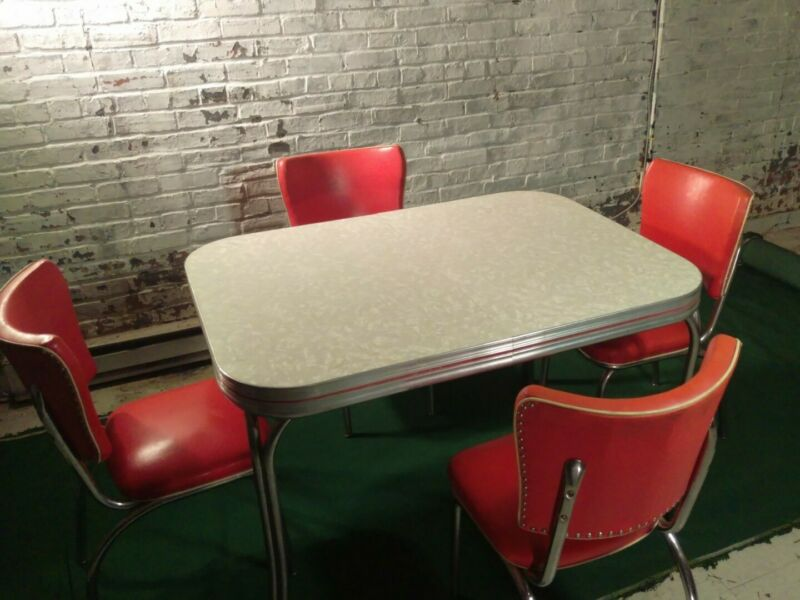 Atomic USA 60s Retro Ivory & Chrome Kitchen Table Red Trim, Seats & Extension!