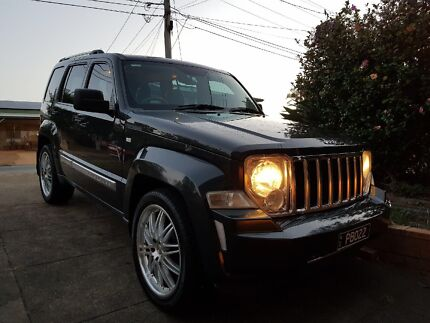 JEEP CHEROKEE LIMITED EDITION 2011 excellent condition15,000