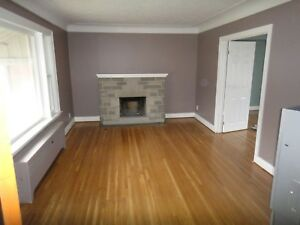 Student House- 1 Room Available  -  Mohawk College