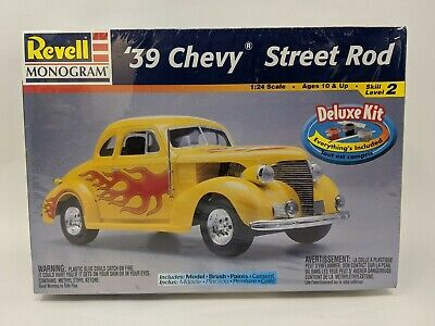 Revell 1939 Chevy Street Rod Deluxe Kit 85-6640 Model Car 1/24 Scale Sealed