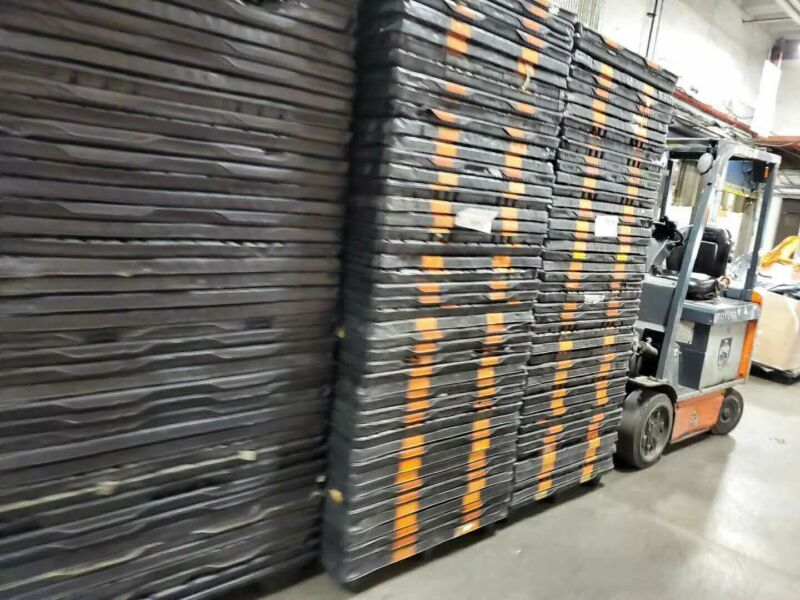 "48"" x 40""  black standard PLASTIC PALLET USED GOOD CONDITION pick up only"