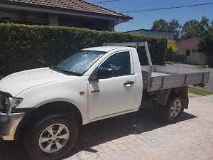 Man with Ute (furniture pickup & rubbish removals)