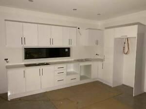 Polyurethane Gloss White Kitchen Cabinet Module No 24247 ...