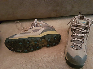 Columbia size 10 Hiking boots Kadina Copper Coast Preview
