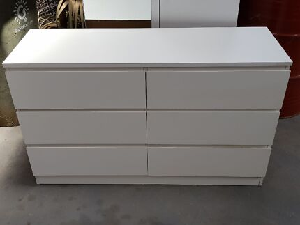 bedroom suite white  3 piece