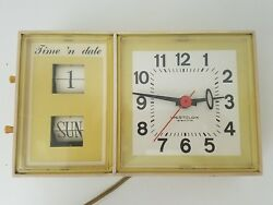 Vintage Westclox Time 'N Date Electric Wall Flip Clock Yellow Model S 37