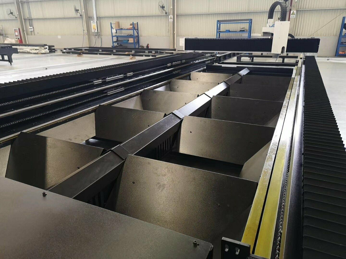 NEW BESCUTTER WIND SERIES 6-15KW 5'X10' IPG FIBER LASER CUTTER FULLY ENCLOSURED