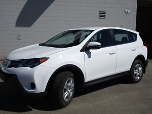 2015 Toyota RAV4 LE ONE OWNER- TOYOTA CERTIFED LOW KMS