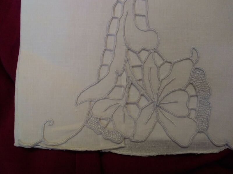 "Beautiful Madeira Cutwork and  Embroidered  Linen Hand Towel 20"" x 13 1/2"""