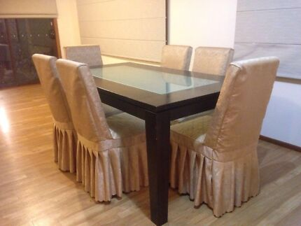Dinning set (table + 6 chairs)