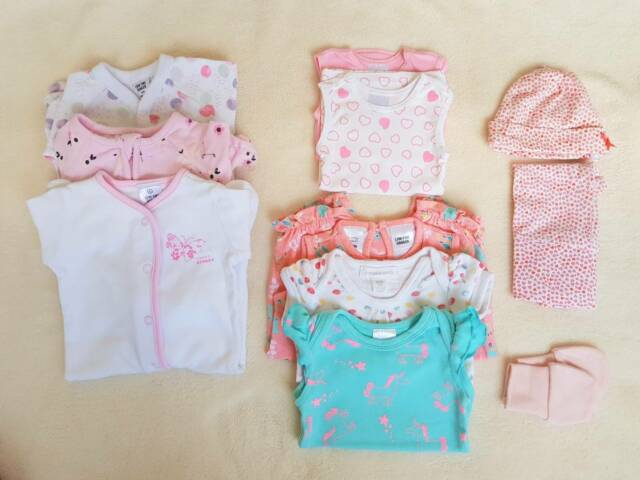 5210c8342b44 Newborn girl clothes size 0000 - 11 items