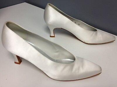Dyeables Mid Heel Heels - STUART WEITZMAN Vintage White Satin Mid Heel Dyeable Slip On Pump Sz 9.5 B4324