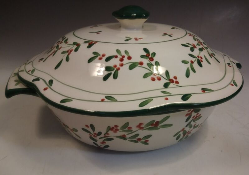 Mesa International 12 inch Covered Casserole Dish Red Berry Design