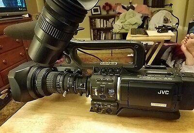 JVC GY-HD110 ProHD Camcorder Fujinon Th16x5.5BRMU SC46425-001-H MIC Black
