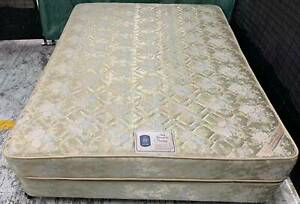 Excellent Sealy Brand queen bed set for sale. Delivery available