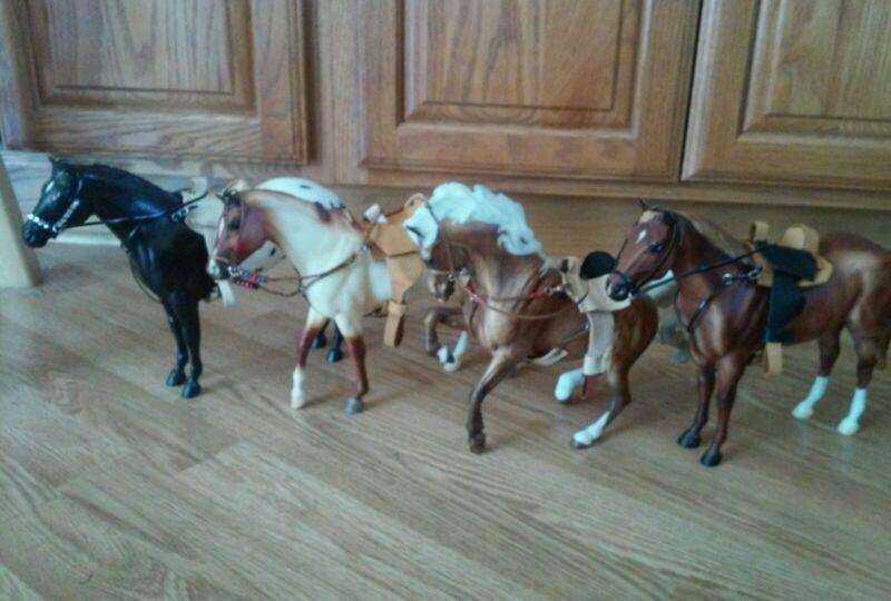 Breyer custom saddle set with breast collar NO HORSE