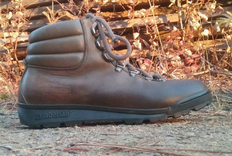 Vintage Zamberlan Women Hiking Boots aprox 9 or 9.5 Leather/ Fabric Lined Italy