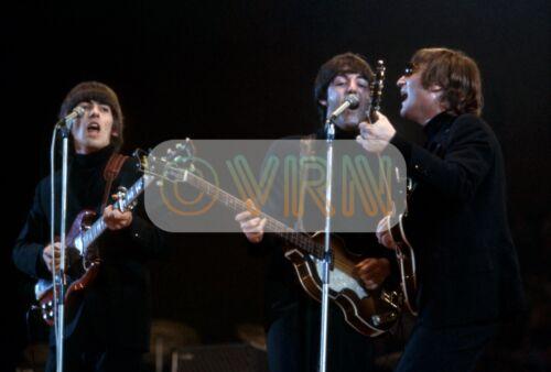 UNSEEN BEATLES Lennon McCartney GEORGE Gibson SG! ** Archival Photo ULTRA RARE