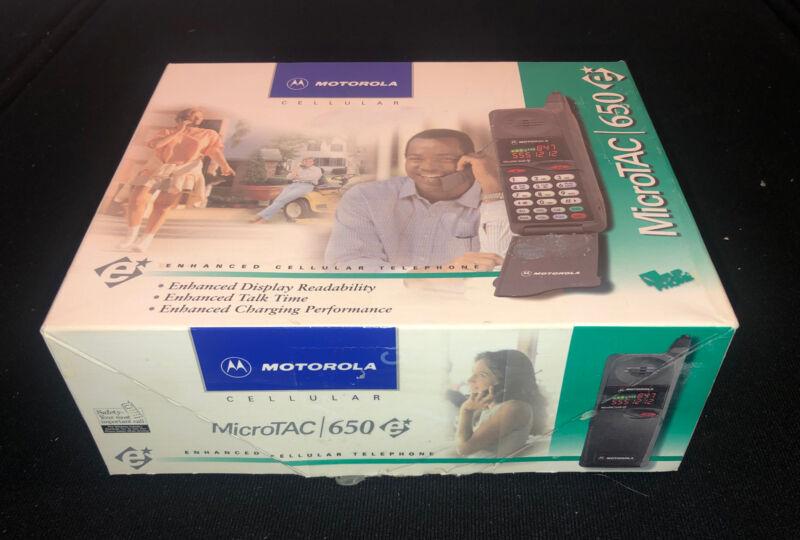 Motorola MicroTAC 650e Flip Cell Phone NEW Vintage
