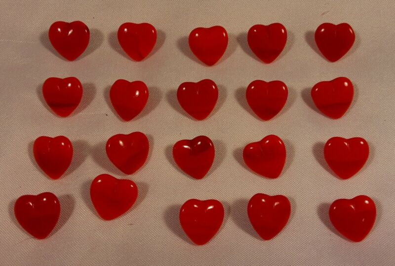 """20 Vtg JHB International Glass Realistic Novelty BUTTONS 1/2"""" Bruised Red Hearts"""