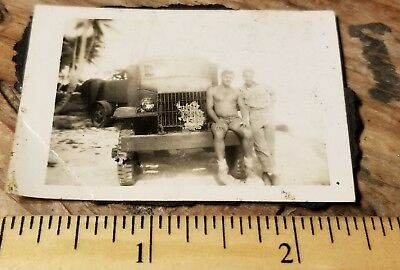 1943-1944 USMC VMF-111 Makin Island MARINES TRUCK Manly Men Pacific Photo WW2