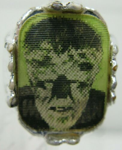 1960s Wolf Man Vari Vue Flicker Flasher Ring Premium Vintage RARE AWESOME!