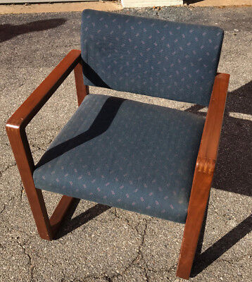 Vtg Sled Base Wooden-arm Blue Print Back And Seat Office Guest Chair