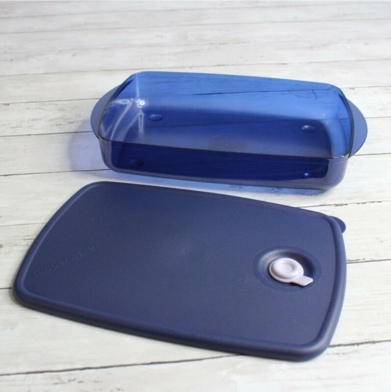 Tupperware Vent N Serve Container 6 Cups Microwave Safe Indigo Navy Blue New