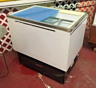 Hussmann Open Top Reach-in Freezer Mod. Sm090s