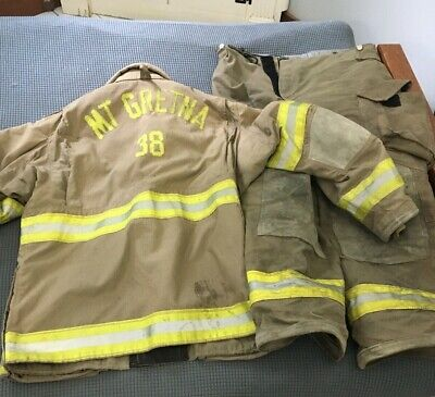 Mt Gretna Pa Janesville 2000 Firefighter Jacket And Pants Used -size 4632r