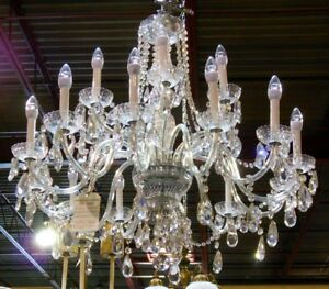 GORGEOUS VINTAGE HUGE 18 ARM CRYSTAL PRISM CHANDELIER