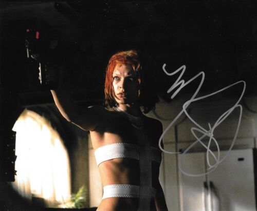 * MILLA JOVOVICH * signed autographed 8x10 photo * RESIDENT EVIL * 1