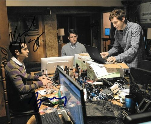 * KUMAIL NANJIANI & ZACH WOODS * signed  8x10 photo * SILICON VALLEY * 1