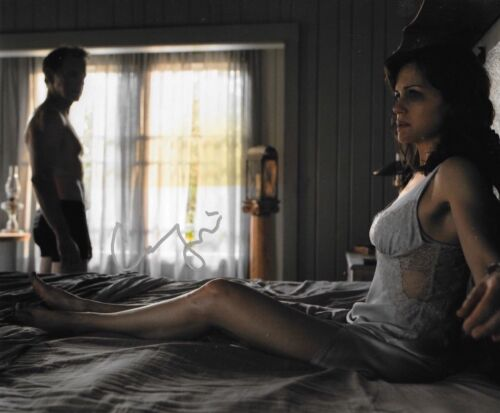 * CARLA GUGINO * signed autographed 8x10 photo * GERALDS GAME * 2