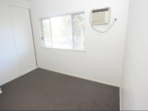 Queen size room with ensuite Manoora Cairns City Preview