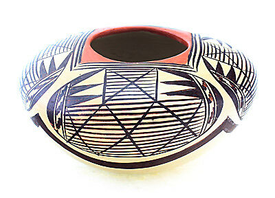 Small Hopi Pottery Vase by Adelle T. Nampeyo for sale  Shipping to Canada