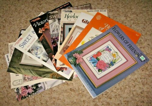 LOT OF 10~FLORAL DESIGNS~COUNTED CROSS STITCH BOOKLETS/LEAFLETS~GD/VGC~LOT #Z
