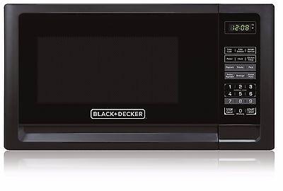 Black+Decker 0.9 Cu.Ft. 900 Watts Countertop Microwave Oven