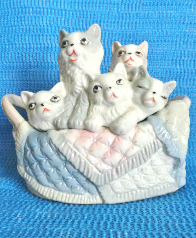 Cats & Quilt, In Basket, Porcelain, Pastel Colors, Collectible Home Decor