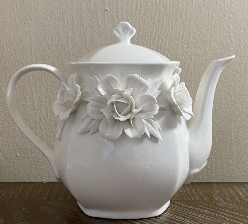 I. GODINGER & CO. IVORY SQUARE TEA POT WITH RAISED FLOWERS