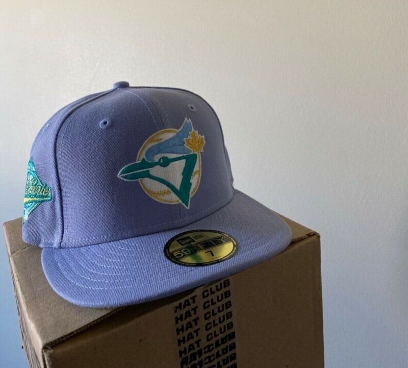Hat Club Exclusives Northern Lights Toronto Blue Jays size 7 New Era Fitted