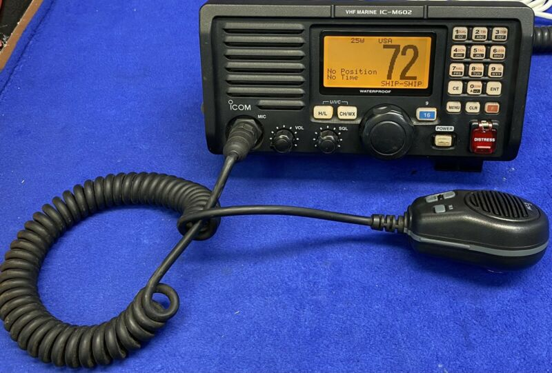 ICOM IC-M602 Marine DSC VHF Transceiver Radio W/ Mic; MMSI Clear, Tested
